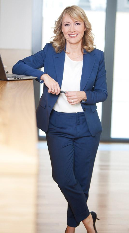 Moderatorin Sabine Ziemke